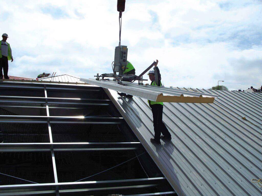 اجرای سقف با ساندویچ پانل